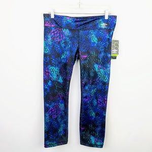 NWT Umbro Printed Cropped Workout Tights